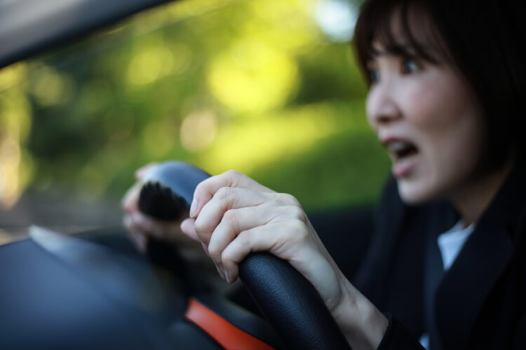 交通事故における慰謝料の相場や計算方法、請求手順について詳しく解説