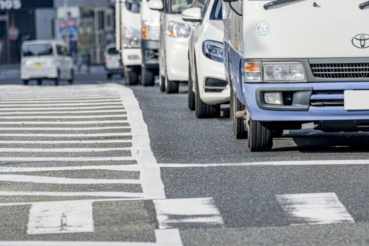 横断歩道事故の歩行者と車の過失割合はどうなる?状況ごとに詳しく解説