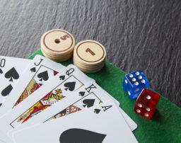 ギャンブル依存症のチェック方法は?家族がとるべき対策などを解説