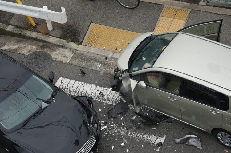 交通事故は略式起訴で終わる可能性が高い?手続きの流れや裁判との違いを解説