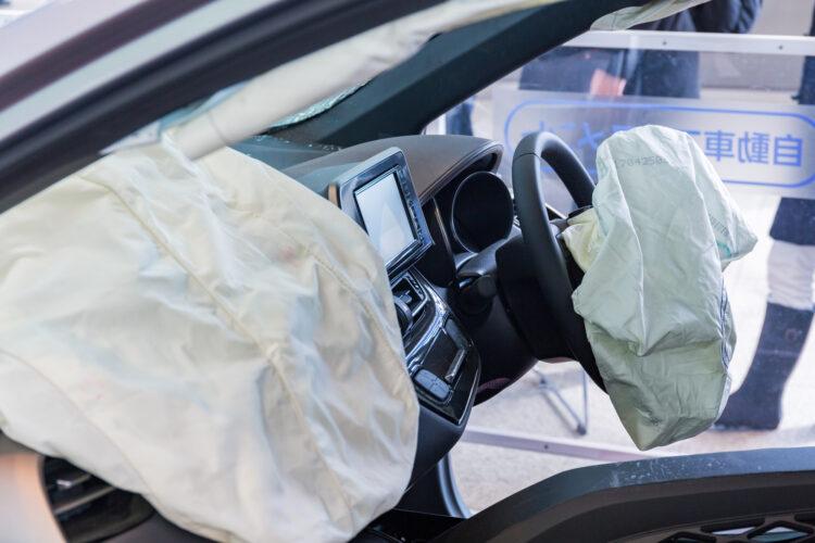 交通事故で同乗者がケガをしたらどうなる?慰謝料の請求先や補償の範囲を確認