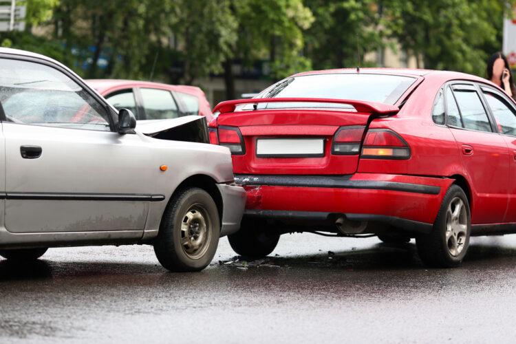 バック事故過失割合の目安&加害者とのトラブル回避法