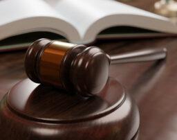 交通事故裁判、和解案に納得できなければ拒否しても大丈夫?