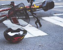 【自転車事故】未成年の加害者の責任とは?責任能力と損害賠償請求