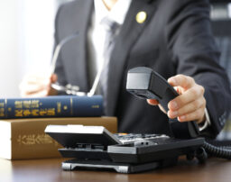 過払い金の悩みは電話相談も可能!電話で弁護士に依頼できる条件とは