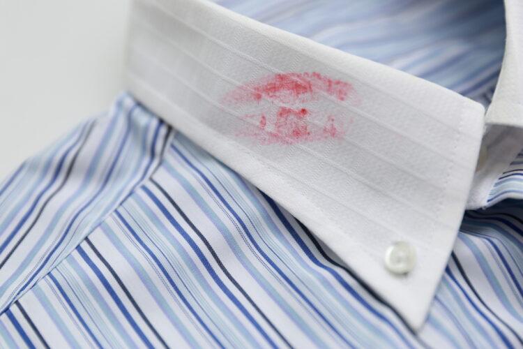 キスは不倫になる?離婚や慰謝料の対象になる不貞行為を弁護士が解説