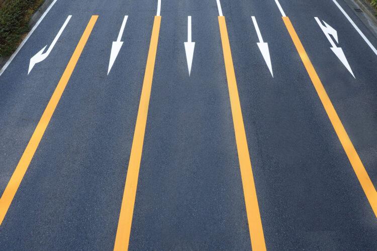 進路変更による事故の過失割合は?過失割合が修正される7つのケース