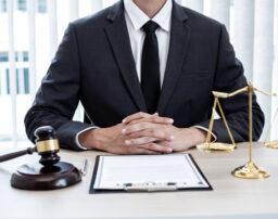 交通事故慰謝料の弁護士基準(裁判所基準)とは?増額事例も紹介