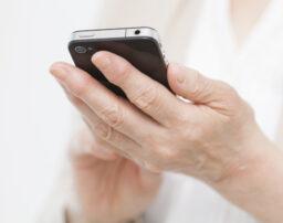 携帯電話料金の滞納で差押え?料金滞納のリスクと差押えの流れ